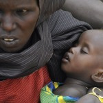 Starving Somalis flooding into refugee camps