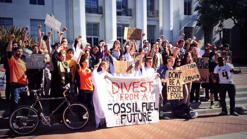Students at UC Berkeley demonstrated in 2013 for UC divestment from fossil fuel companies. (Fossil Free UC)