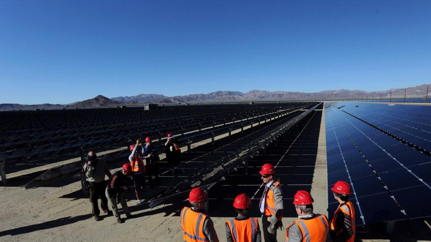 U.S. Interior Secretary Sally Jewell tours a new solar farm in Desert Center, Calif., on Feb. 9 2015. (Marcus Yam / Los Angeles Times)